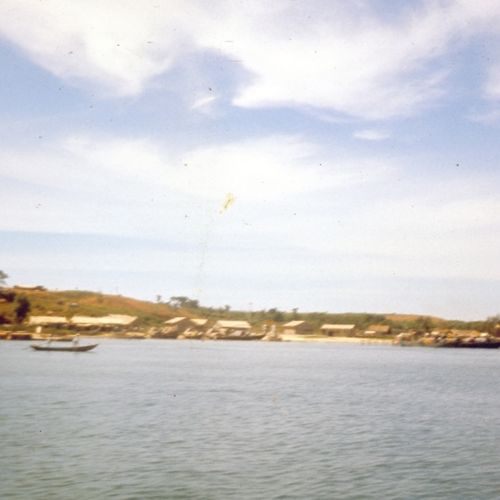 Vietnamese Navy Junk Base -Read